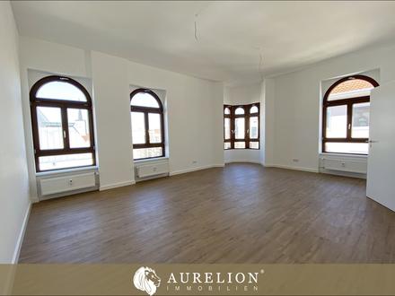 LUITPOLDHAUS - HISTORIE - MODERNE Stilvolle 3-Zimmer Altbau-Etagenwohnung mit Balkon