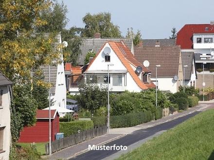 Zwangsversteigerung Haus, Dorfwiese in Grebin