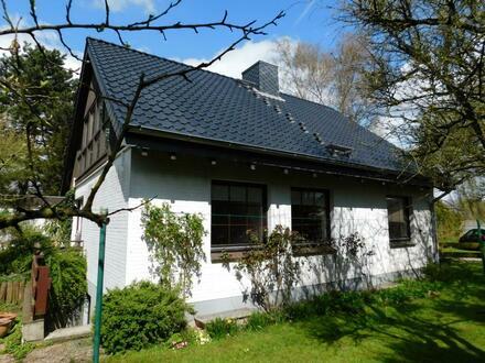Tolle Lage in direkter Schleinähe plus Baugrundstück Einfamilienhaus in 24376 Kopperby