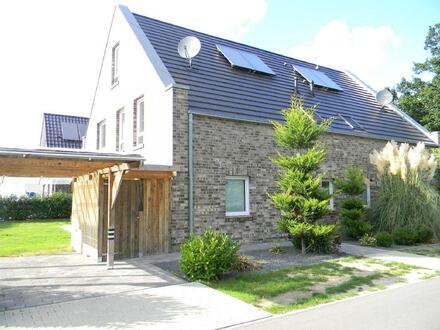 Hochwertige Doppelhaushälfte in Esterfeld