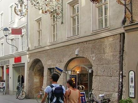 gepflegte, ruhige Altstadtwohnung