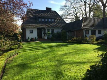 Ganderkesee: Charmantes Anwesen mit zwei Einfamilienhäusern und großem Grundstück in TOP-Lage!