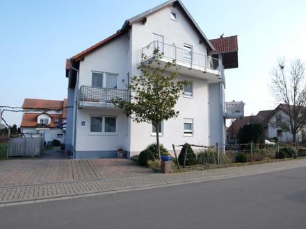 Gepflegte 3 Zimmer-Wohnung im Souterrain mit PKW-Stellplatz in Niederkirchen!