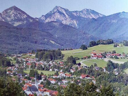 * Kapital-Anleger aufgepaßt * Siegsdorf/Chiemgau: * Sicher vermietetes Single-Apartment, Hochparterre mit Balkon, zu verkaufen