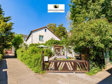 Kernsaniertes Einfamilienhaus in Stuttgart Bad-Cannstatt mit Einliegerwohnung sowie 3 Carports