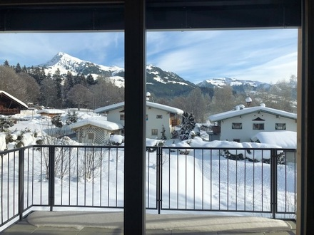 KITZBÜHEL: 3-Zimmer-Wohnung mit 2 Carports und Lift - Nähe Schwarzsee!