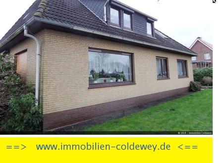 Gepflegtes älteres Zweifamilienhaus in ruhiger, zentraler Lage von Neuenburg/Zetel!!