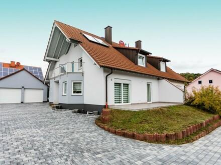 Schicke und gepflegte Einfamilien-Doppelhaushälfte in Collenberg
