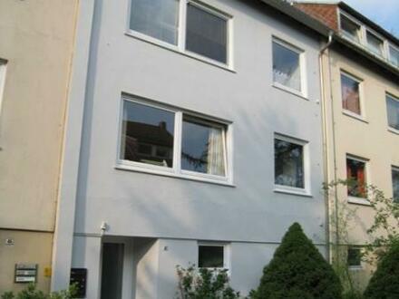 Helle Drei-Zimmer Wohnung mit Einbauküche in Horn