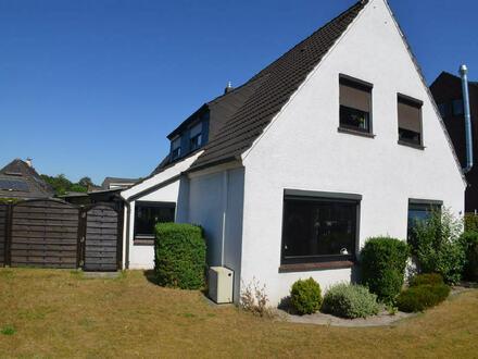 Gepflegtes Zweifamilienhaus auf schönem Grundstück in Schwanewede