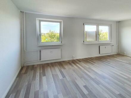 Renovierte 4-Zimmer-Wohnung, mit Balkon! Jetzt 500 EUR Gutschein* sichern!