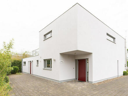 Moderne , neuwertige und exclusive Architekten Villa in Top Lage