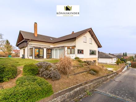 Wunderschönes 2-Familienhaus mit Wintergarten und großzügigem Garten in toller Wohnlage
