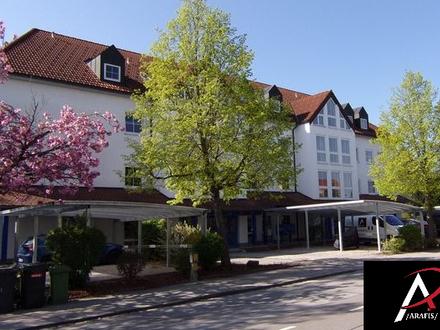 Neu sanierte 2-Zimmer Wohnung mit Terrasse plus Carport oder Stellplatz