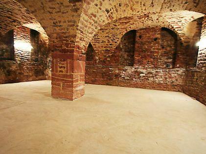 Aufwändig saniertes Barockschloss am Main | Innenausbau in Planung