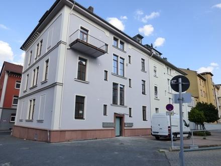 Im Herzen Aschaffenburgs: hochwertig sanierte Altbauwohnung!