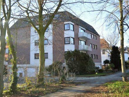Gepflegte 3 Zimmer-Eigentumswohnung mit Fahrstuhl und Garage nähe Bürgerpark!