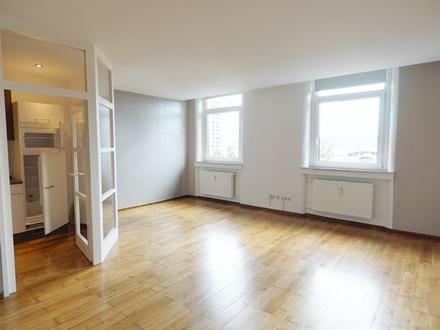 Großzügige 4-Zimmer-Wohnung in Coburg, Neustadter Straße 11