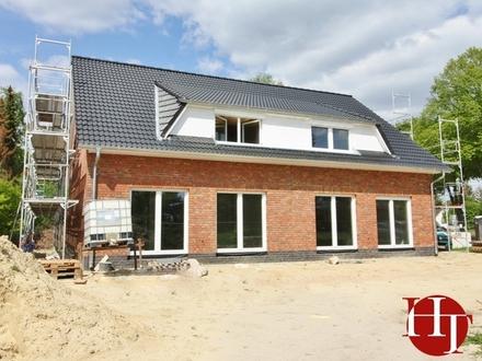 Neubau-Erstbezug: Hochwertige Doppelhaushälfte im Herzen von Stuhr-Varrel!