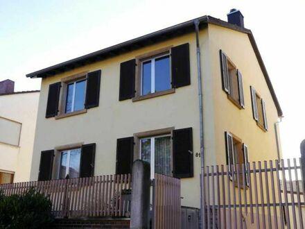 Raumwunder! freistehendes, renovierungsbedürftiges EFH mit Nebengebäuden, Hof und Garten in Armsheim