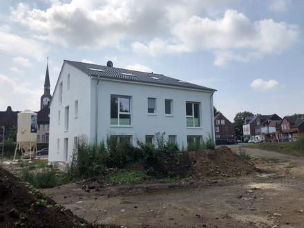 Viel Raum zum Wohlfühlen = Neubau-Eigentumswohnung im 1. OG mit Südbalkon