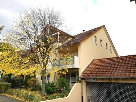 Schöne 2-ZKB-ETW mit großer Dachloggia in beliebter Lage von MA-Seckenheim