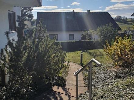 Der Start in die eigenen 4 Wände für junge Leute - helle 3 1/2 Zimmer-Wohnung in Sonnenbühl