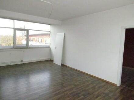 Büro/Praxisräume ca. 46 m² - erweiterbar auf ca. 126 m² in verkehrsgünstiger Lage!