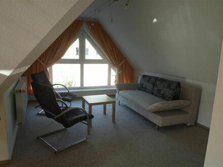 Wunderschöne möblierte 1-Zi.- DG-Wohnung in Bubenreuth - einfach zum Wohlfühlen!