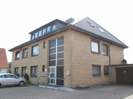 5620 - Großzügige Dachgeschosswohnung in zentraler Lage von Edewecht!