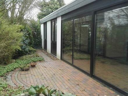 Bungalow mit Garage und Carport in sehr ruhiger Lage in Heide