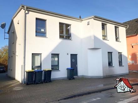 Tolles Investment !! Schönes Mehrfamilienhaus mit 4 Wohneinheiten sucht neuen Eigentümer!!