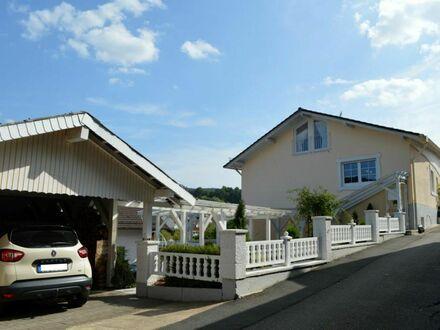 Attraktives 2-Familienhaus mit wohnraummäßig ausgebautem Gartenhaus