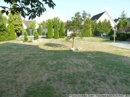Bauplatz - Pool - Garten --- Bauplatz für Einfamilienhaus in Bielefeld-Brackwede