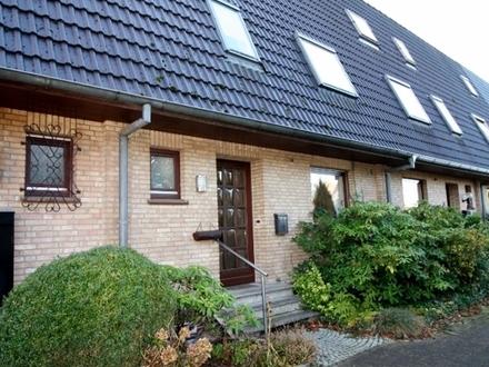 Stuhr-Varrel, geräumiges Reihenmittelhaus mit Garage sucht neue Bewohner!
