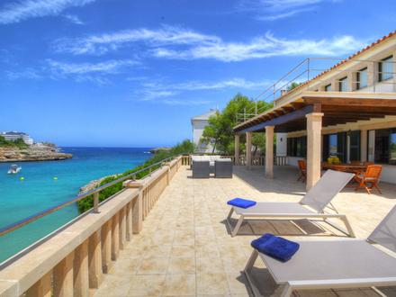Villa am Strand von Portocolom