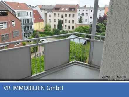 Große 1-Raum-Wohnung mit Balkon in der Schweriner Feldstadt