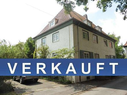 VERKAUFT: Doppelhaushälfte (Altbau) mit Garage in zentrumsnaher Lage