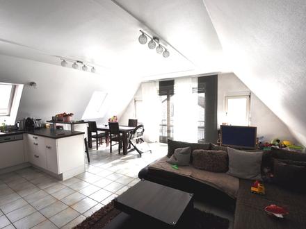3-Zimmerwohnung mit Tageslichtbad, Gäste-WC und Dachboden