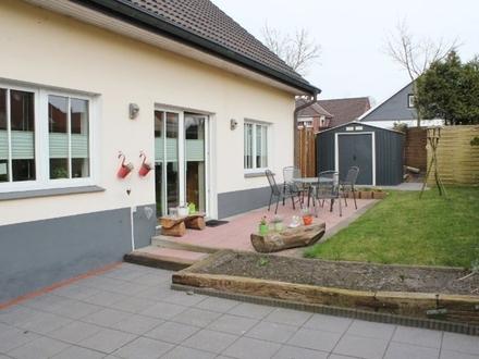 5506 - Top gepflegtes und modernes Haus nähe Schlossplatz in Jever!