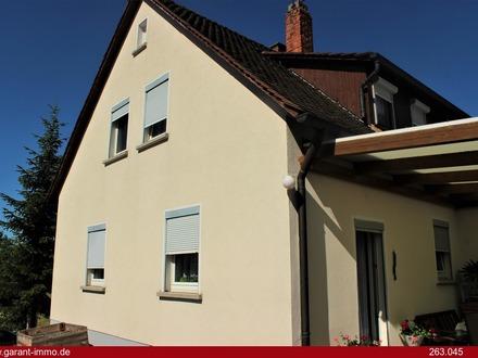 Gepflegtes und gemütliches Haus mit Einliegerwohnung in Langenfeld zum Superpreis!