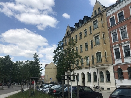 Preisgünstige 1 Zimmer Dachgeschosswohnung mit EBK in Bernsdorf zur Miete
