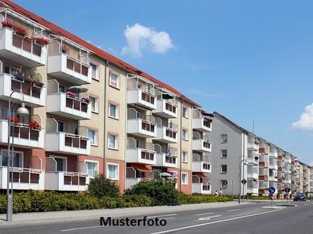 Mehrfamilienhaus mit Doppelgarage