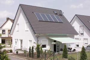 Niedrigenergiehaus/Einfamilienhaus auf einem Grundstück Ihrer Wahl