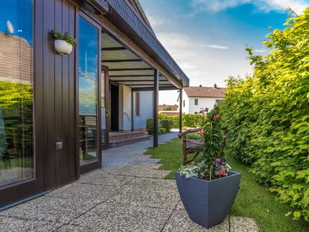 Lebens- und liebenswert: Einfamilienhaus mit vielen Extras in naturnaher Lage!