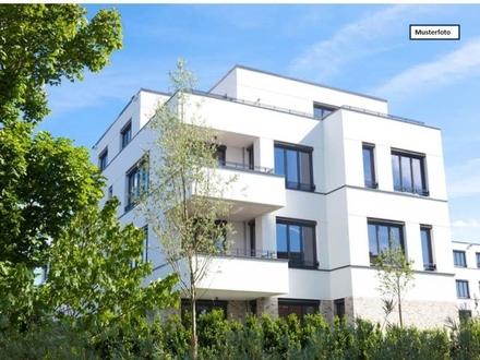 Zwangsversteigerung Dachgeschosswohnung in 76337 Waldbronn, Kettelerstr.