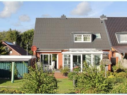 HUSUM TOPZUSTAND: 2006 kernsaniertes Eigenheim mit sonnigem Südgrundstück in ruhiger Sackgassenlage!
