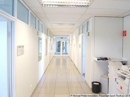 Blick in den Mietbereich - Flur und Etagenzugang - (Bürosystemwände)
