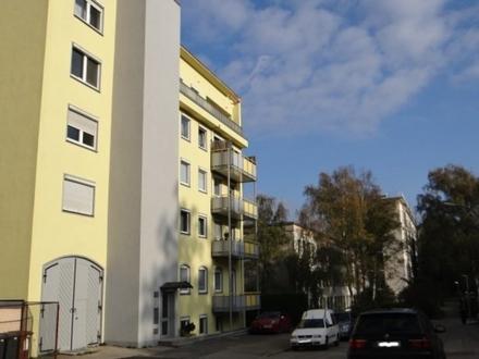 Angenehm und zentrumsnah, nette, kleinere 3-ZKB-Wohnung mit Lift