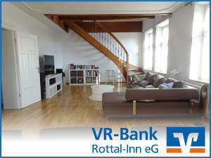 Stilvoll wohnen: Excl. 6-Zi.-Whg. über 2 Etagen in saniertem Backsteinbau